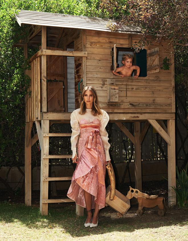 """שרי גבעתי בהפקת אופנה בביתה: """"אפילו ריטלין לא סייע לי בימים אלה"""". לחצו על התמונה לכתבה המלאה (צילום: חלי פרידמן)"""