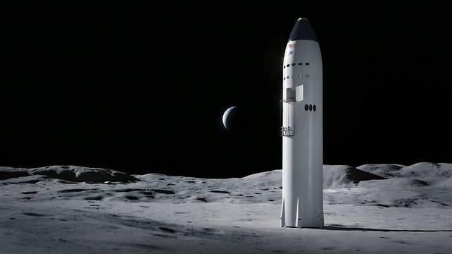 חללית הכוללת גם את הטיל, עם מעלית לאסטרונאוטים. הדמיה של Starship על הירח (הדמיה: SpaceX)