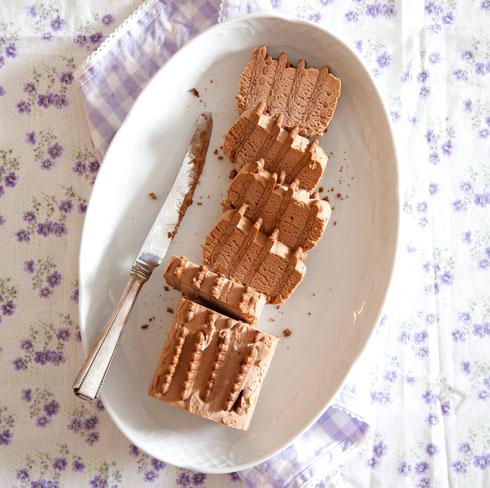 עוגת ביסקוויטים עם קרם שוקולד וקפה  (צילום: יוסי סליס סגנון: נטשה חיימוביץ')