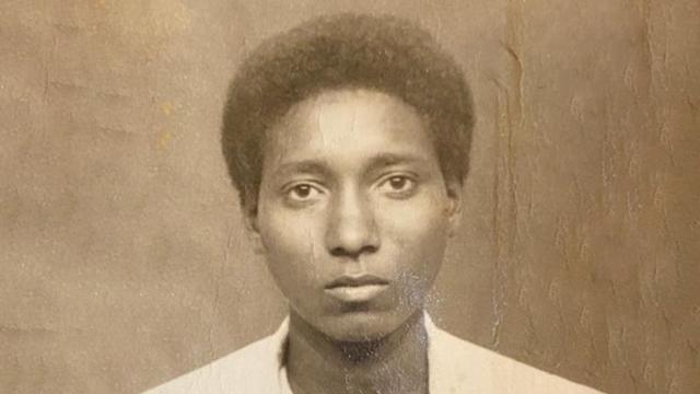 התמונה שהייתה מיועדת לדרכון המזויף שהונפק לרבים אחרים (באדיבות המצולם)