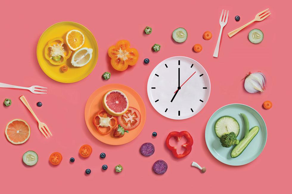 לא רק בגלל הדיאטה. כך משפיעה הגבלת שעות האכילה על הבריאות שלנו (צילום: Shutterstock)