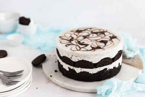 עוגת גבינה פילדלפיה ואוראו  (צילום וסגנון: שרית נובק בעלת הבלוג misspetel)