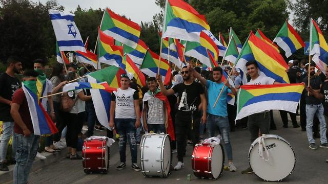 הפגנה מחוץ לכנסת (צילום: מוטי קמחי )