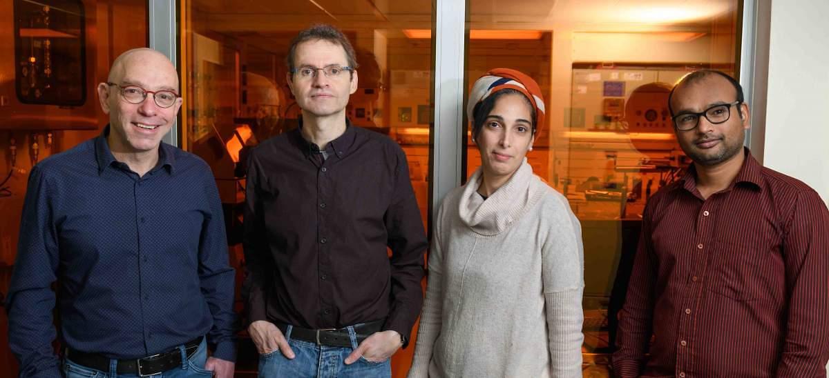 """מימין: ד""""ר סטיינדרה נאת' גופטה, ד""""ר אורה ביטון, ד""""ר לותר הובן ופרופ' גלעד הרן. צימוד חזק בין אור לחומר (צילום: מסע הקסם המדעי, מכון ויצמן)"""
