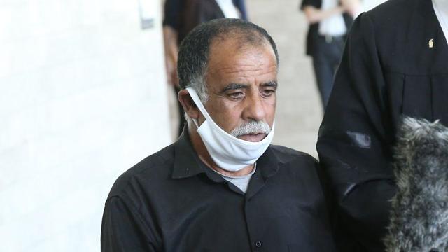 חוסיין דוואבשה בבית המשפט (צילום: מוטי קמחי)