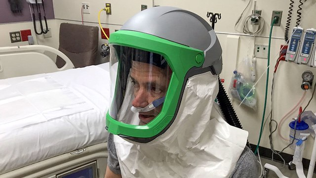 הקסדה לחולי הקורונה (צילום: אוניברסיטת מישיגן)