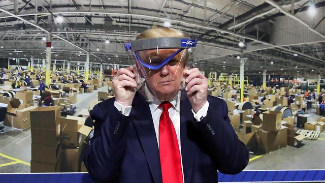 """טראמפ תועד עם מסכה: """"נראה טוב עליי"""" 99847421980100640360no"""