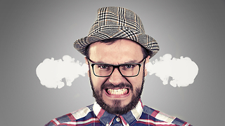 איש עצבני (צילום: Shutterstock)