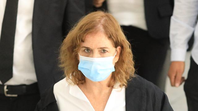 ליאת בן ארי בבית המשפט (צילום: אמיל סלמן)