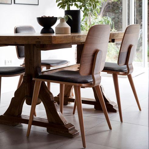 בפינת האוכל הזו, למשל, הכסאות צוותו לשולחן קיים. לחצו לכתבה המלאה על הבית (צילום: שירן כרמל)