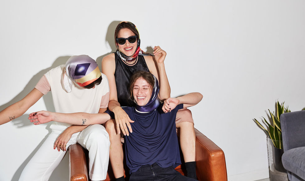 בתי האופנה: המעצבים הישראלים נכנסים הקיץ לתוך המרחב הביתי. לחצו על התמונה לכתבה המלאה (צילום: דור שרון)