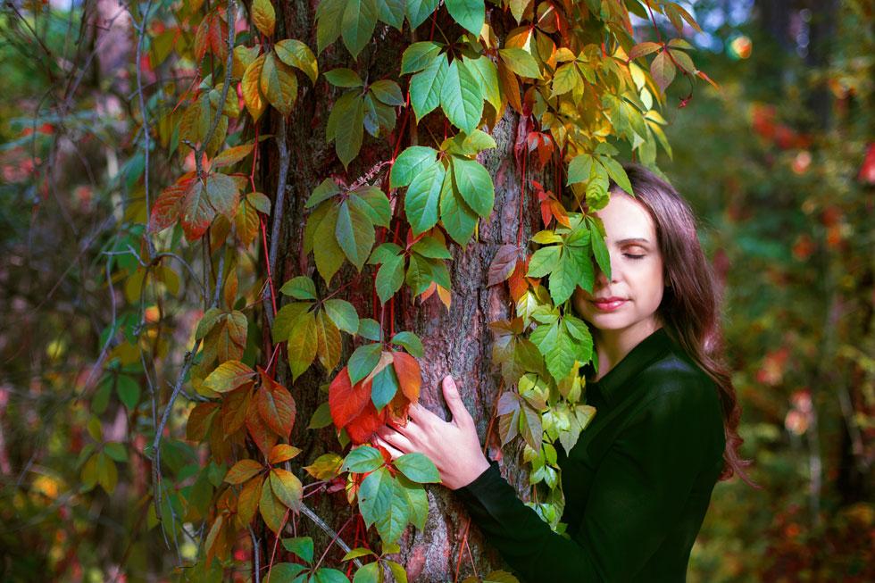 לא ניתן יהיה לשנות את היחס אל הטבע ללא מודעות פמיניסטית  ואי אפשר יהיה לשנות את היחס אל נשים ללא מודעות סביבתית (צילום: Shutterstock)