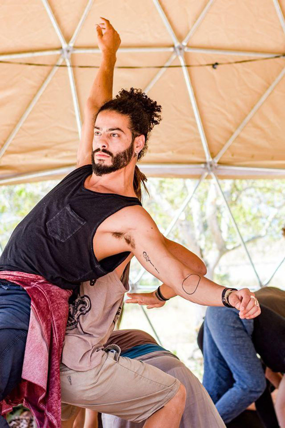 איימן ספיה רקדן תושב כפר יאסיף נעלם לאחר שנסחף בחוף נווה ים בעתלית עם חברתו ()