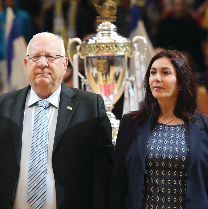 רגב טוענת שהנשיא מונע ממנה לעמוד לצידו בהענקות גביעים, בבית הנשיא מוכיחים אחרת | צילום: אורן אהרוני