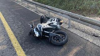 זירת התאונה בכביש 40 סמוך לרחובות (צילום: תיעוד מבצעי מד