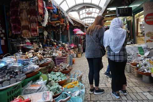 במרחק הליכה. השוק של עכו  (צילום: צביקה בורג)