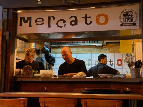 """בלב סמטה ציורית. מסעדת """"מרקטו""""  (צילום: צביקה בורג)"""