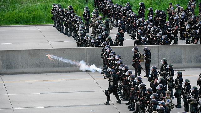 מהומות במינסוטה (צילום: EPA)