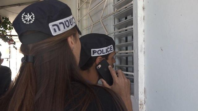 מעצרים של משטרת ישראל בפרשת הסחר בנשים (צילום: דוברות המשטרה)