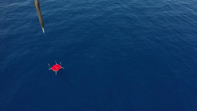 מערכת נשק לורה בניסוי בלב ים (צילום: התעשייה האווירית)