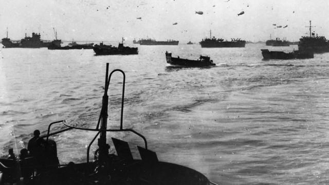צי בעלות הברית מתקדם מבריטניה לעבר חופי צרפת (צילום: Keystone/Hulton Archive/Getty Images)