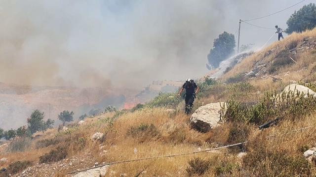 שריפה במועצת הר חברון (צילום: מועצת הר חברון)