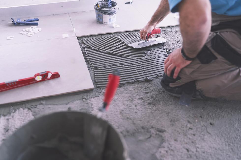 לשימוש בלייזר בלבד שיפוץ שיפוצים עשה זאת בעצמך יובל צולר הפטיש העברי (צילום: shutterstock)
