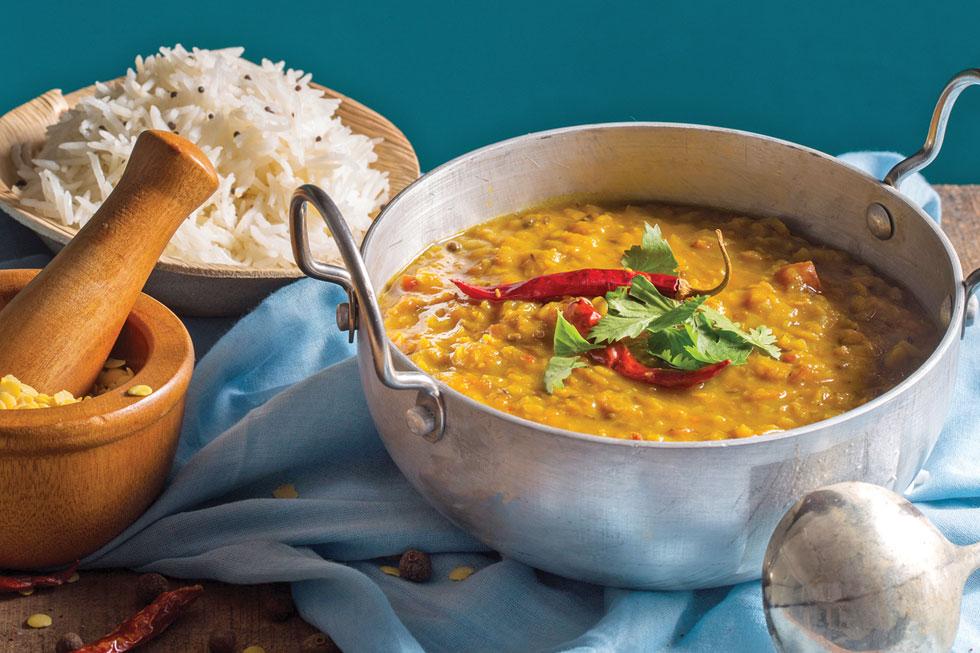 דאל צהוב. תבשיל הדגל של המטבח ההודי (צילום וסגנון: דניאל שכטר)