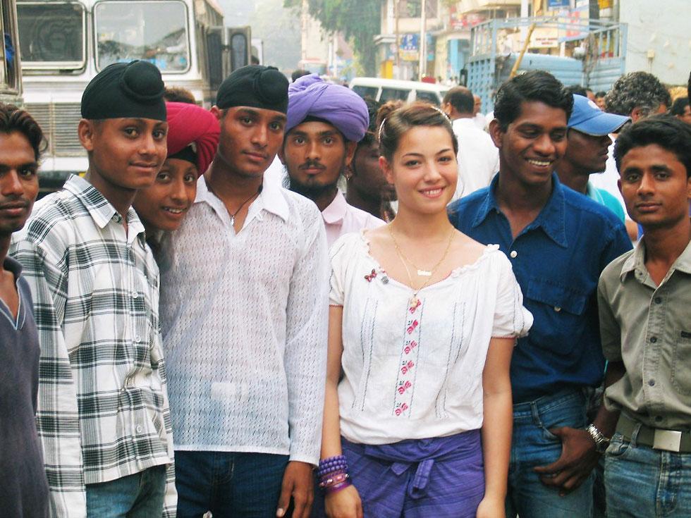 """בגיל 17, בצילומי פרסומת בהודו. """"לא חייבים לקחת את החיים בצורה מאוד כבדה"""" (צילום: אלבום פרטי)"""