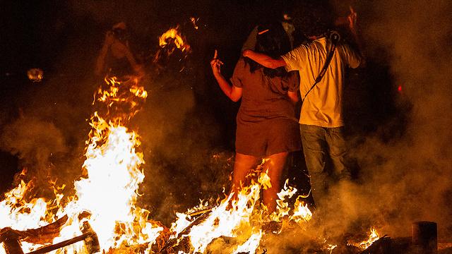 לבנון מחאה על המצב הכלכלי ביירות (צילום: EPA)