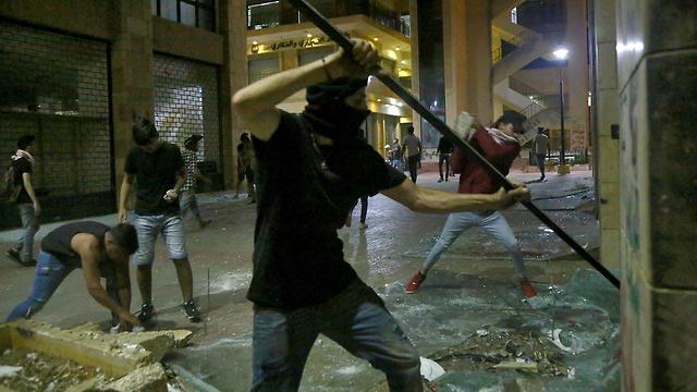לבנון מחאה על המצב הכלכלי ביירות (צילום: MCT)