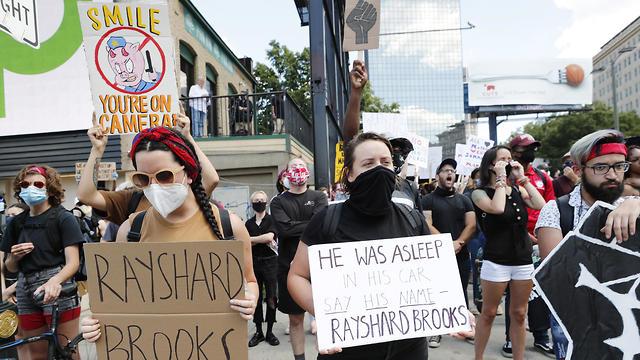 הפגנות הפגנה אטלנטה מוות ירי שחור ריישרד ברוקס (צילום: EPA)