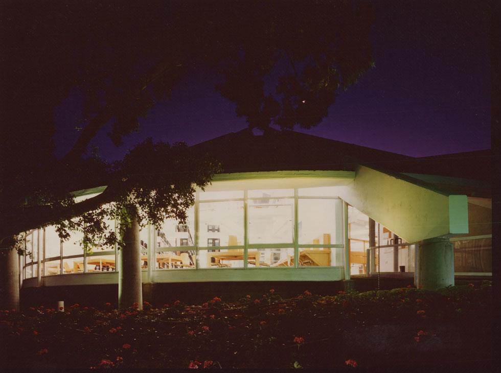 הגג המקורי לא נבנה מעולם - גם לא עכשיו (באדיבות RECA-ארכיון מרכז רכטר לאדריכלות)