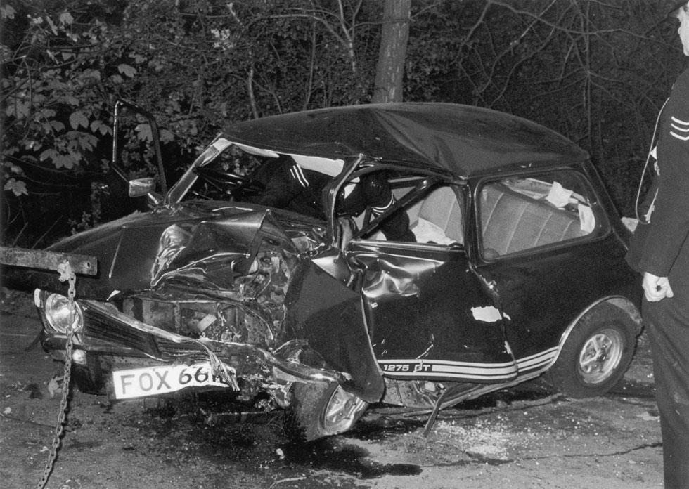 המכונית שבה מצא בולאן את מותו. דווקא הוא, שלא הוציא רישיון נהיגה מרוב פחד מהמוות, נהרג בתאונת דרכים (צילום: Maurice Hibberd/GettyimagesIL)