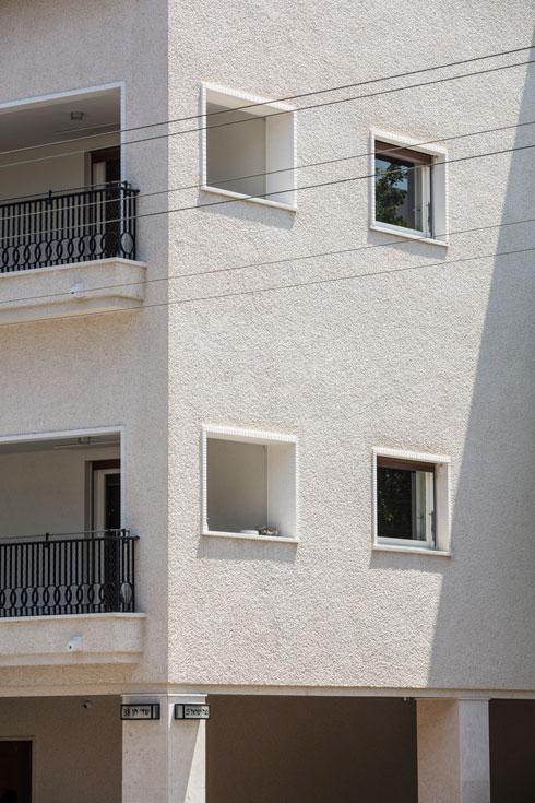הוא מזכיר את בנייני הסגנון הבינלאומי, אך נבנה כ-20 שנה אחריהם (צילום: עמית גרון)