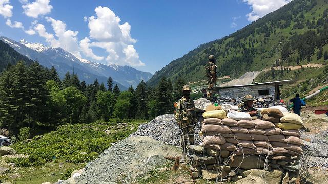 הודו חיילים הודים ב גבול עם סין עימות קטלני הימלאיה 20 הרוגים (צילום: AFP)