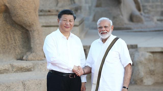 נשיא סין שי ג'ינפינג ראש ממשלת הודו נרנדרה מודי ארכיון (צילום: MCT)