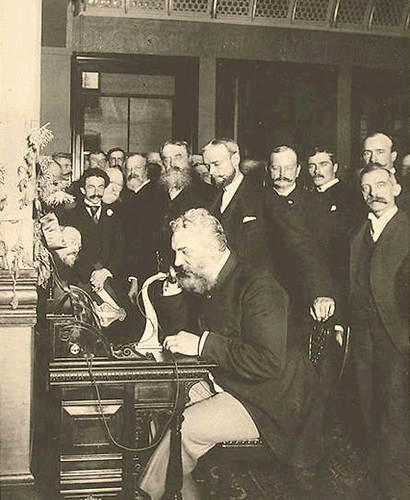 בל חונך את קו הטלפון הראשון בין ניו יורק לשיקגו ב-1892  (צילום: מתוך ויקיפדיה)