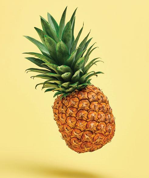 כוס אחת של אננס מכילה  30% יותר מהצריכה היומית המומלצת של ויטמין C  (צילום: Shutterstock)