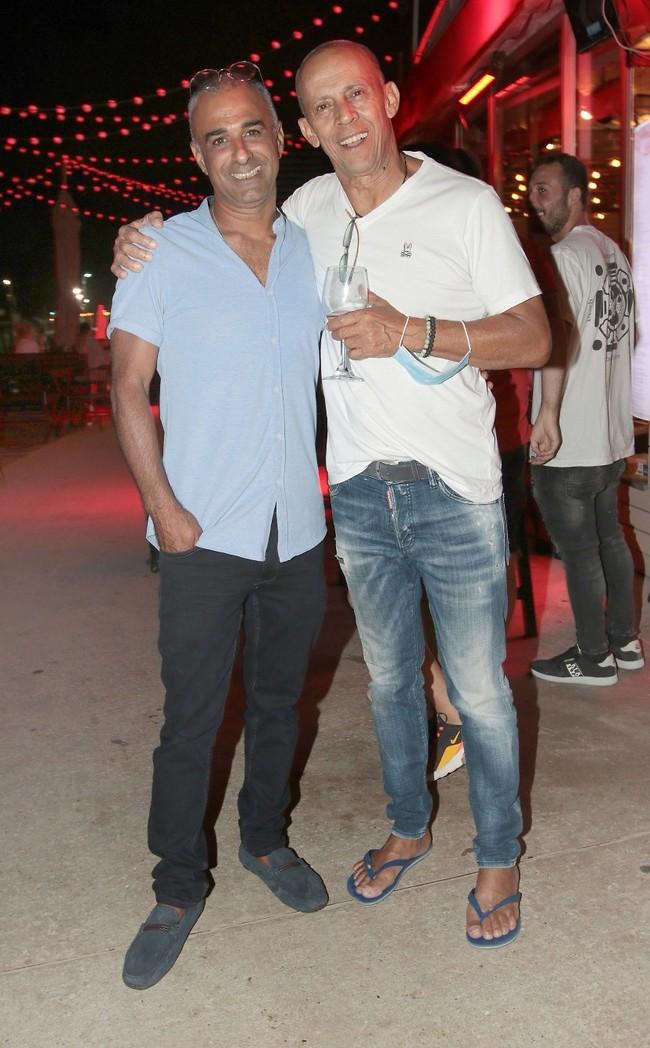 חברים טובים זה לכל החיים. דידי הררי וחגי מאור (צילום: ענת מוסברג)