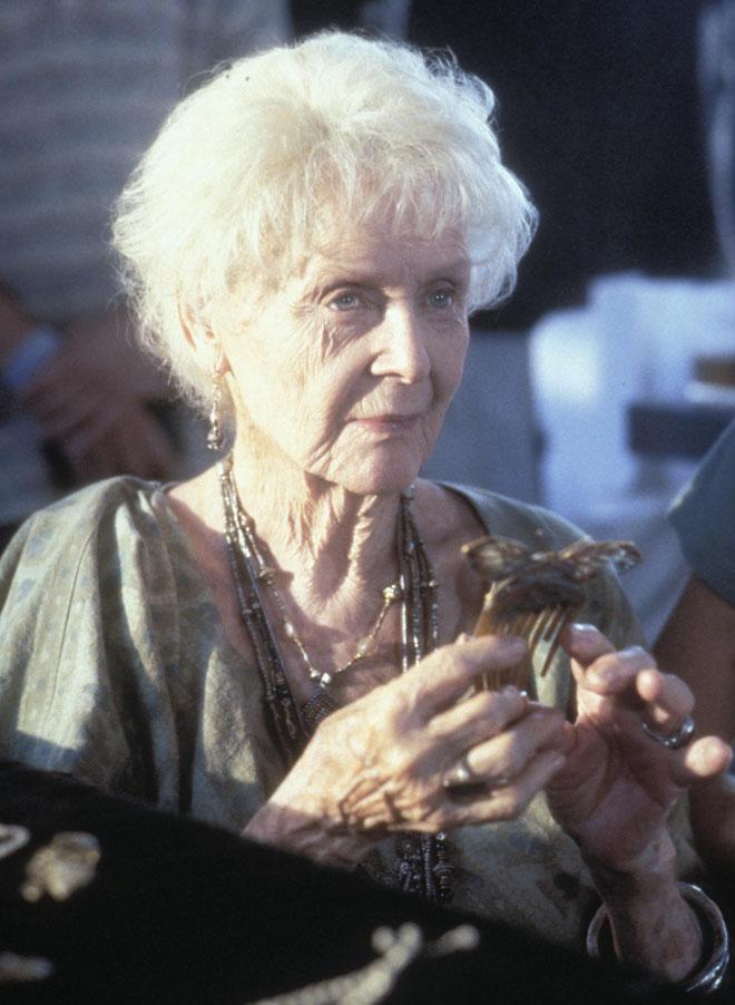 """הסרט שהכניס אותה להיכל התהילה. סטיוארט ב""""טיטאניק"""" (צילום: rex/asap creative)"""
