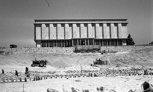 בית לוחמי הגטאות בעת הקמתו (צילום: שמואל ביקלס. באדיבות ארכיון ביקלס, המשכן לאמנות עין חרוד)