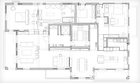 תוכנית הדירה. שני אגפי השינה ממוקמים גב אל גב, אך המעבר ביניהם נעשה מסביב, דרך הסלון והמטבח (תוכנית: אבן אדריכלים)