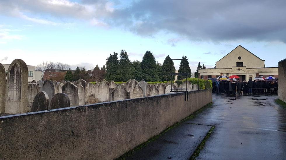 צילום של עומר שלו: בית העלמין היהודי בדבלין. רוב חברי הקהילה היהודית באירלנד הם קשישים, והקורונה גבתה קורבנות גם בקרבם