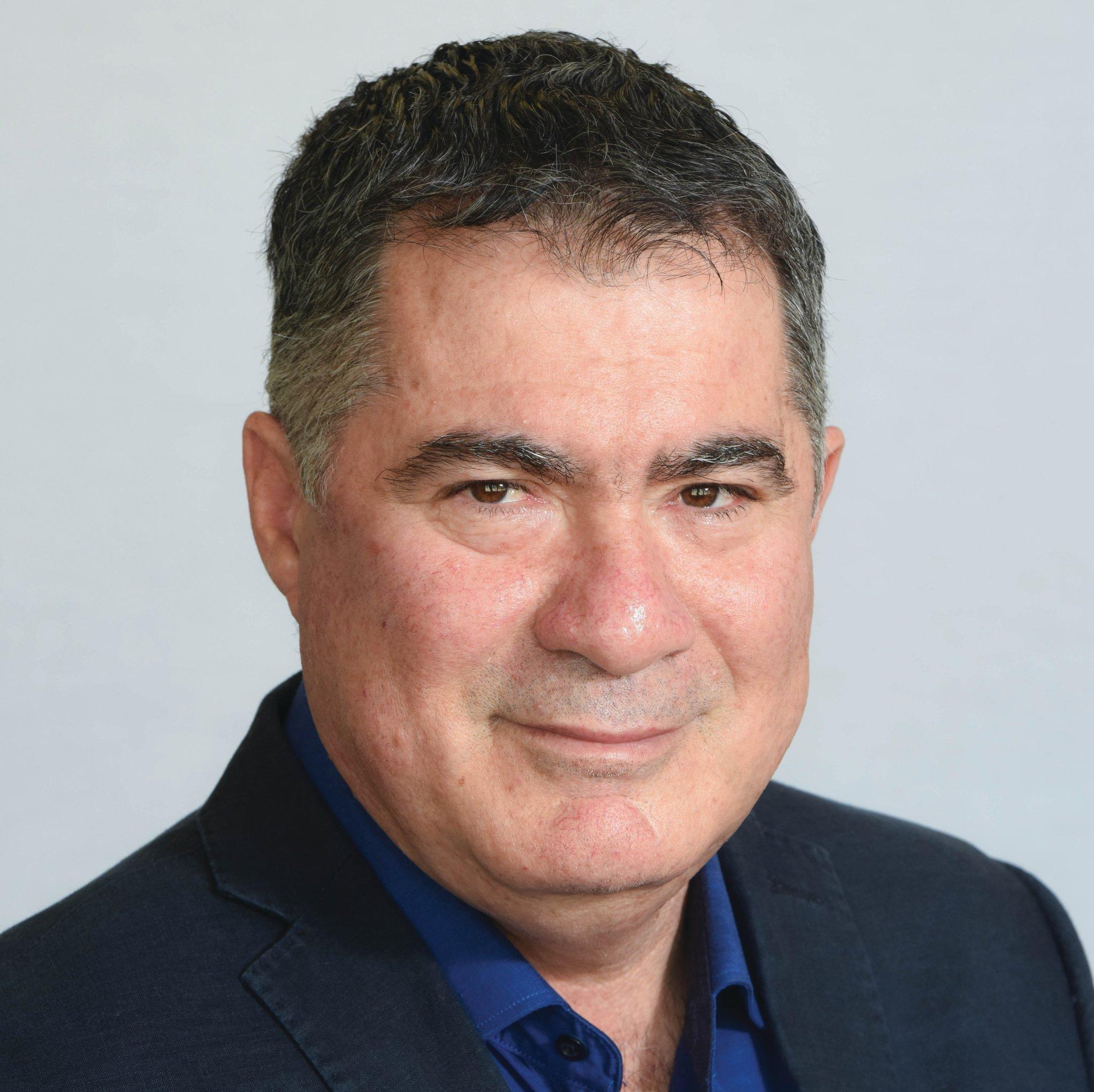 ראול סרוגו, נשיא התאחדות הקבלנים בוני הארץ ()