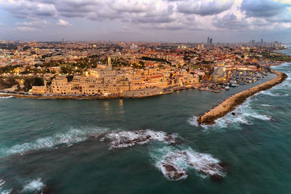כאן הוא נראה במרכז התמונה. ''איך אפשר להרוס את המבנה הזה, שמראים אותו בכל פרסום של מדינת ישראל ות''א-יפו לעולם?'' זועמת תמר טוכלר מהמועצה לשימור אתרי מורשת (צילום: Idomeir, cc)