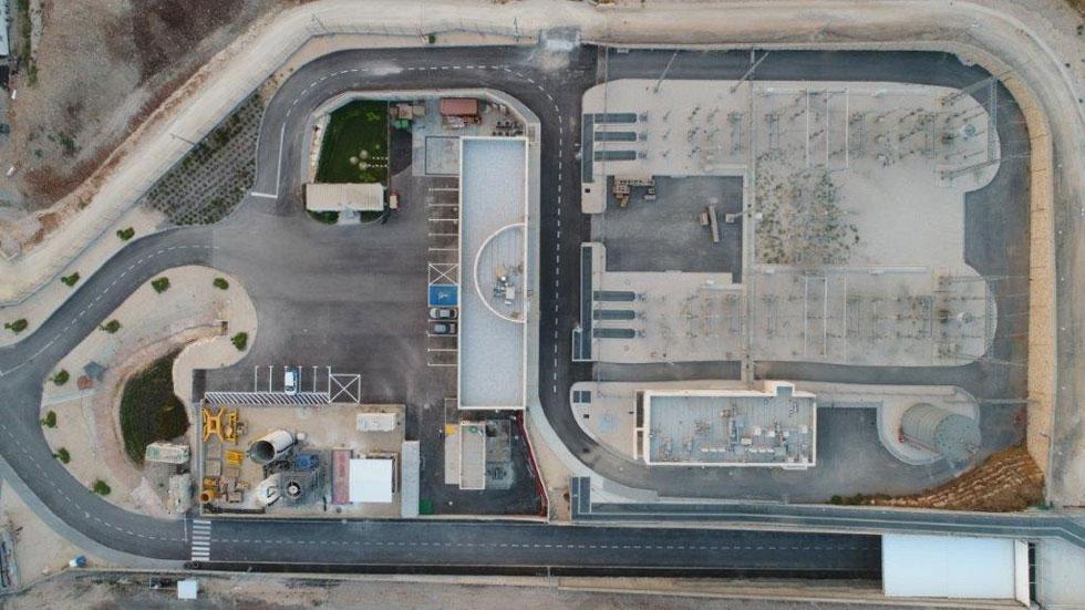 את התכנון האדריכלי עשה משרד ''אורבך הלוי''. למטה מימין: הכניסה למנהרה (צילום: גדי הרניק)