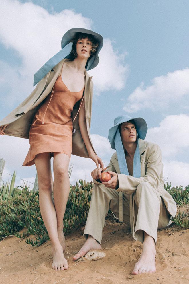 כובעים, טרס | נועם בחליפה, Highlight Studio | ליליה בשמלה, ויוי בלאיש | ז'קט, רונן חן (צילום: עדי סגל)