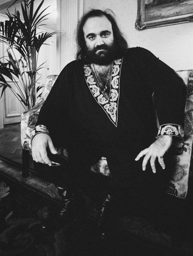 דמיס רוסוס. נראה והתנהג כמו שליט אוריינטלי מהאגדות (צילום: Evening Standard/GettyimagesIL)