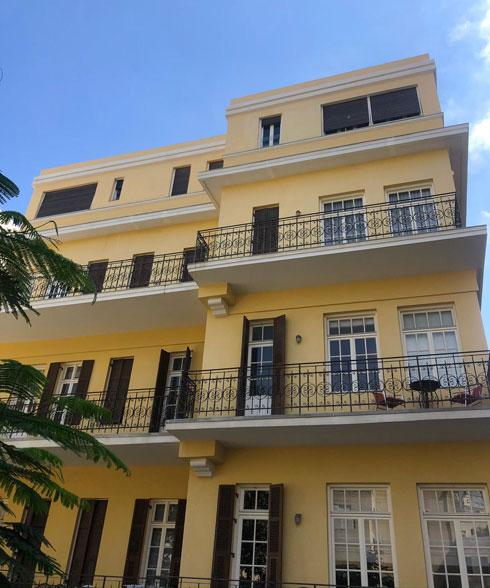 גב הבניין, בסגנון אקלקטי שמערב השפעות מהאר-נובו ואלמנטים ניאו-קלאסיים (צילום: רחלי גרף-רחים ואורית זינגר)